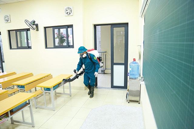 Phun thuốc sát trùng khử khuẩn tại Hà Nội